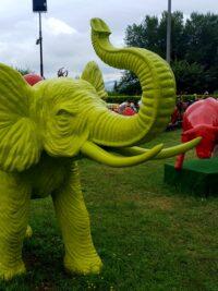 bunte elefant designe figuren gartenfiguren gartenfantasy