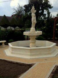Wasserbrunnen aus steinguss beton gartenfigur gartenfantasy