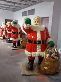weihnachten weihnachtsmann nicolaus dekofigur lebensgross gartenfigur